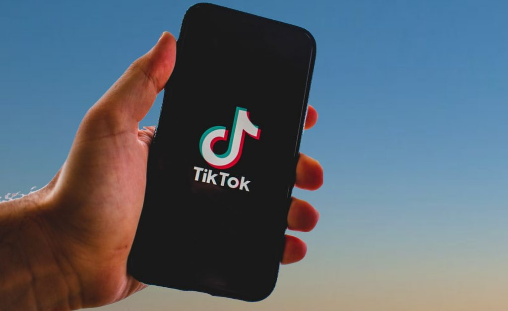 WHY SHOULD YOU USE TIK TOK IN 2021?
